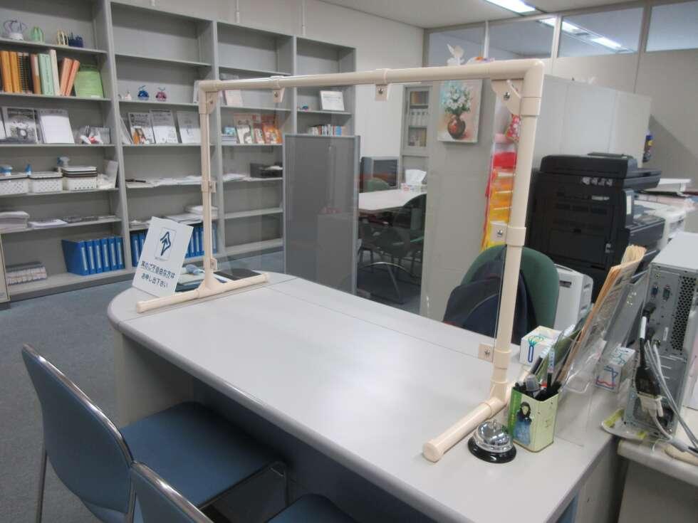 新型コロナウイルス感染防止の卓上型パーテーション
